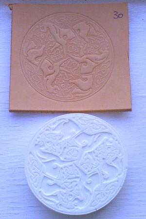 3 horses round leather embossing plate 30