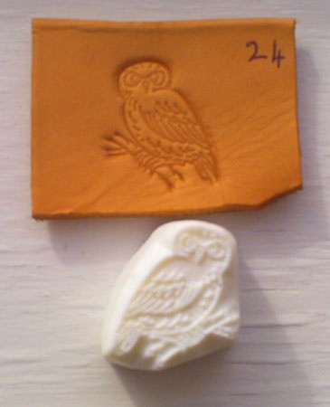 small owl 24 embossing leather plate