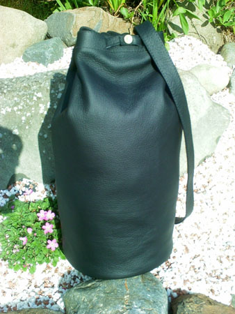 leather daysack duffle bag